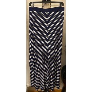 New York & Company Maxi Skirt Size Medium